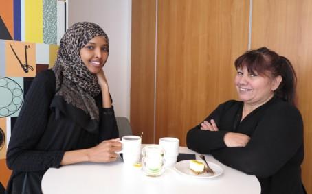 Från Seniorcenter i Nacka kom också Auzore Fewpiceiner och Sahra Hassan, för att delta på Nestors FoU-café