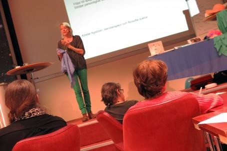 Lisa Arenö, teaterpedagog och föresläsare.