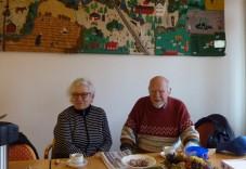 Cafégäster på Frivilligcentralen